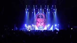 Toto Live@Zénith Paris, #1, 13 Juin 2013 (Intro : On The Run)