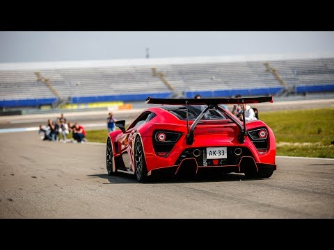 1200HP Zenvo TSR-S Going FLATOUT on Track – Flames, Active Aero Wing, Fly By's