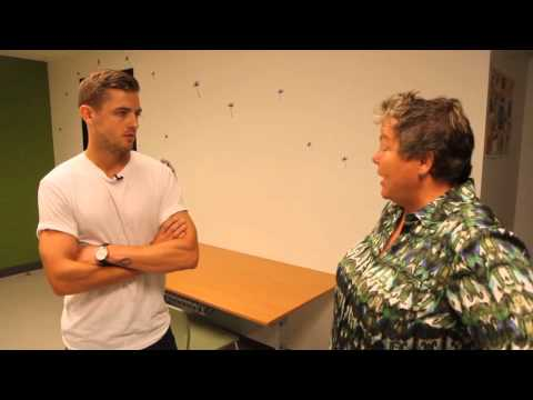 Robbie Rogers tours LGBT Youth Center | MTV Act