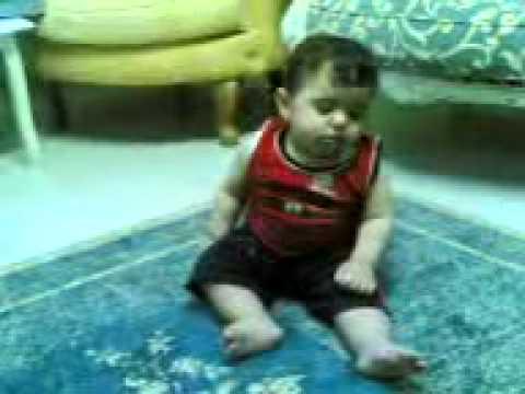 Funny video baby sleeping, amazing video bacha neend ma jhoomte hwe bhoot ban gya