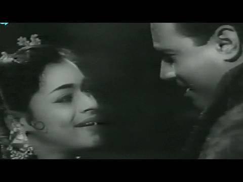 Aa Gaya Maja - Asha Bhosle, Suchitra Sen, Dev Anand, Sarhad Song