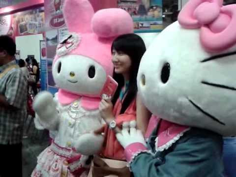 Hello Kitty and My Melody at Marina Bay Sands - YouTube