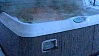Спа бассейн Jacuzzi зимой!(У многих вызывает сомнение возможность гидромассажных спа бассейнов работать круглый год зимой в России...., 2014-12-11T08:17:48.000Z)
