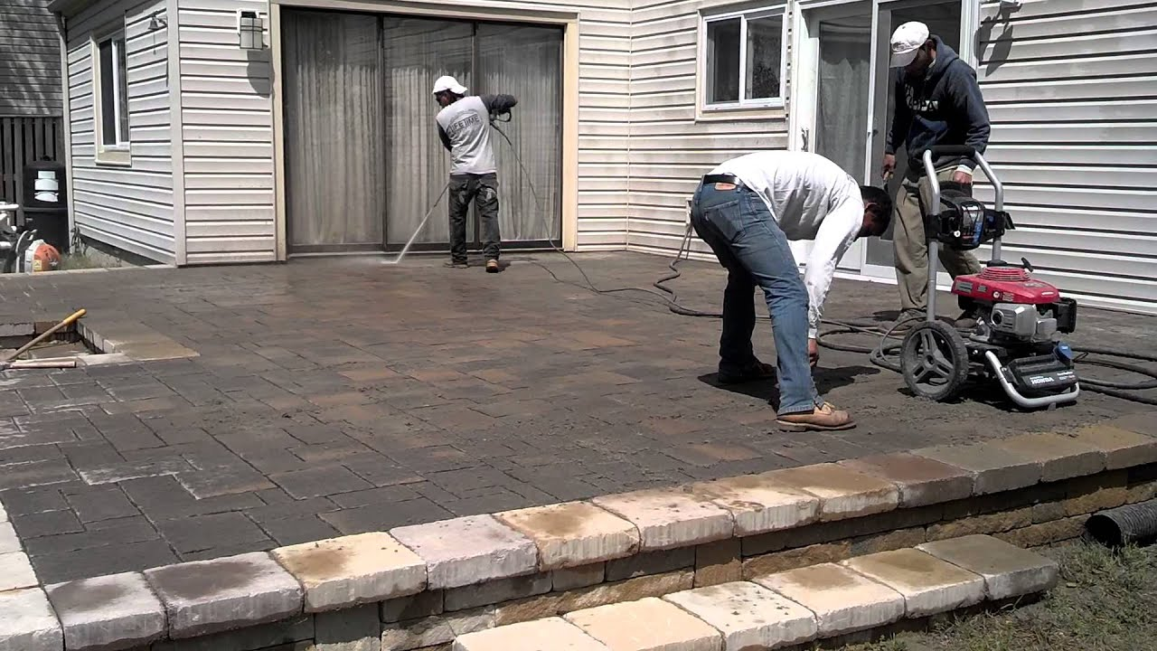 Removing Polymeric Sand from Paver Patio