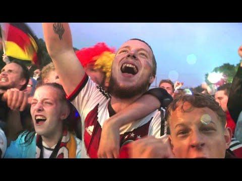 2:1 gegen Schweden: Späte Erlösung auf der Fanmeile