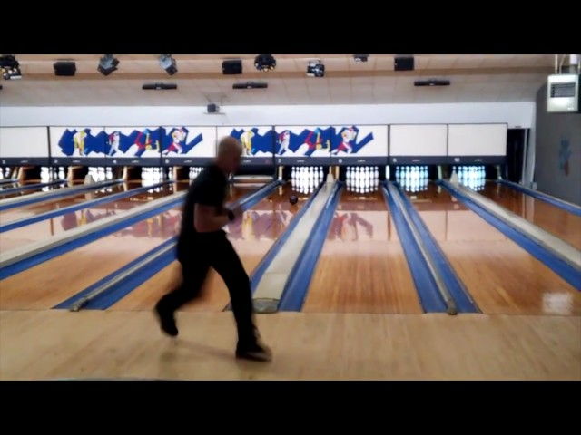 Bowler Ben Ketola sets world record with fastest 300 game