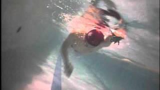 ピーナッツパドルで泳いでみました 通常のパドルとは全く異なる感触でし...
