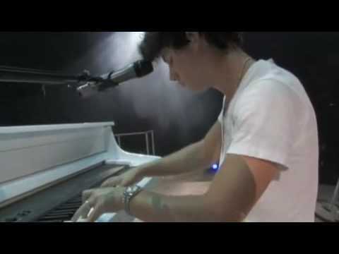 Jonas Brothers - Fly With Me - Official Music Video (HQ) + Lyrics + Ringtone!
