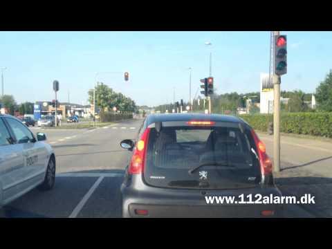 Vejle politi stopper en bil på Horsensvej i vejle.