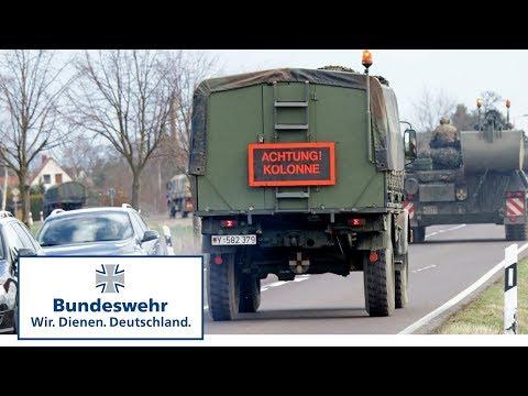Marsch Mit Fahrzeugen – Panzer Der Bundeswehr Auf öffentlichen Straßen