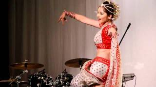 Apsara aali ..Dance performance by Sonali Kulkarni in London