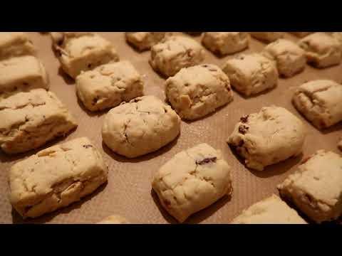 biscuits-pour-les-fêtes-/-texture-fondante-parfaite-pour-le-café-ou-le-thé-/-amandes-et-noix-👍🔝