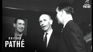 Sir Alec Meets The Australia Cricket Team (1964)