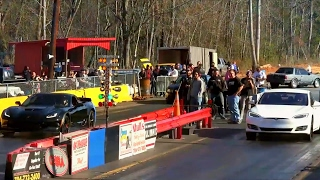 Corvette Z06 Wants a Head Start vs Tesla P100D Drag Racing!