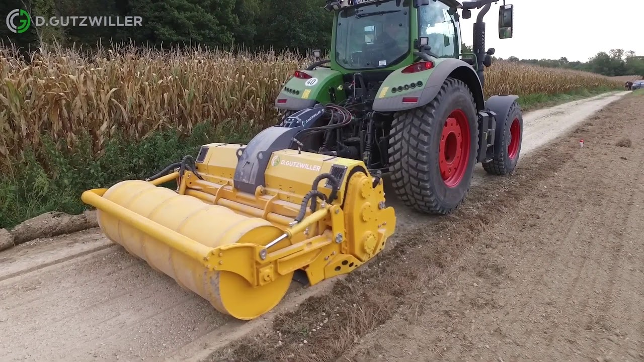 MeriRoad RC-6221 DTG + other road maintenance equipment preparing farm road