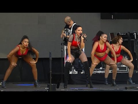 Anitta no Festeja BH 2017 | (COMPLETO/RESUMO)
