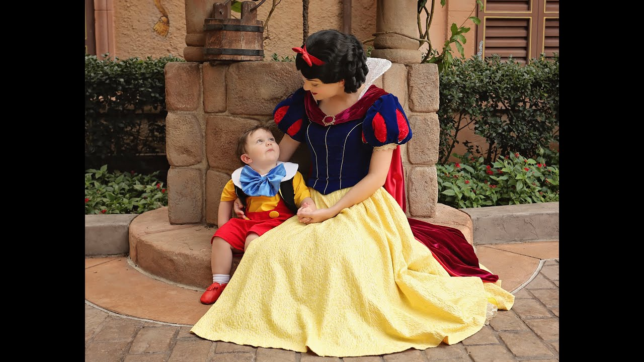 My 2 year old son falls in love with Snow White at Walt Disney