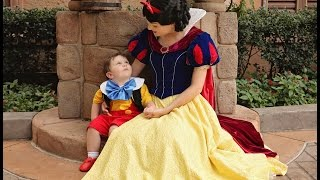 My 2 year old son falls in love with Snow White at Walt Disney World thumbnail
