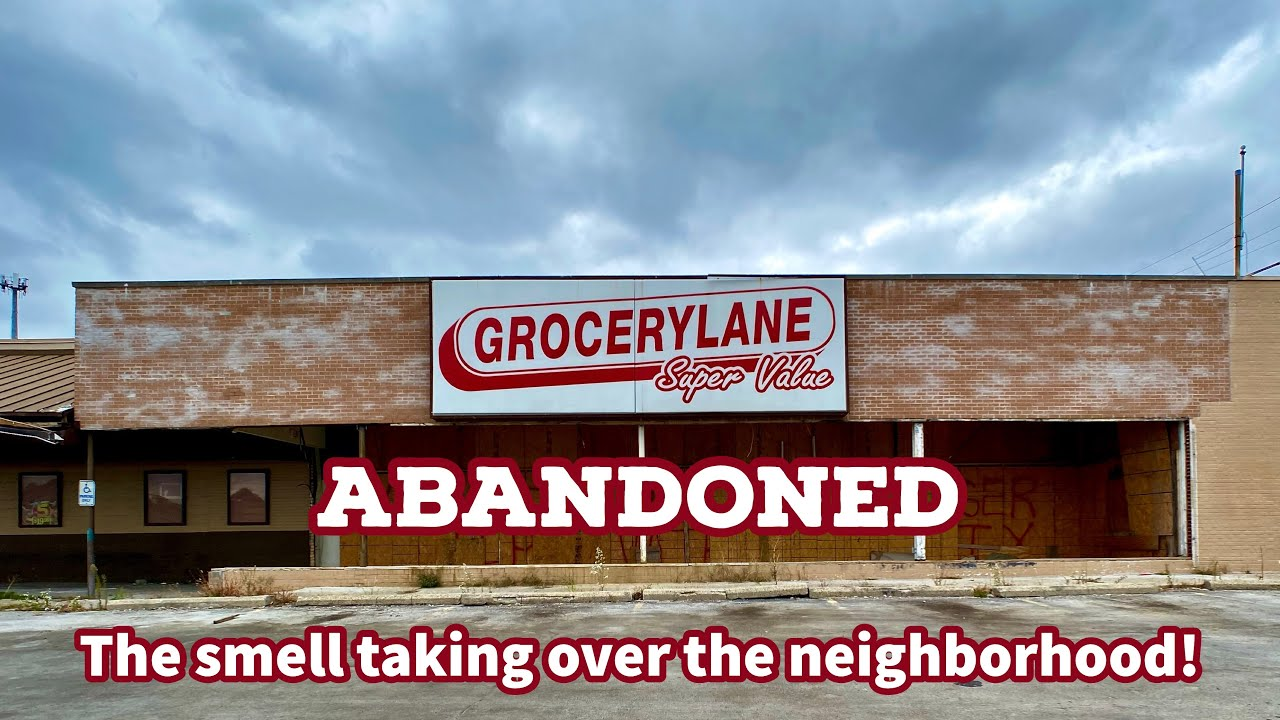 Exploring an Abandoned Grocery Store in Ohio | Dayton's Food Desert 4K