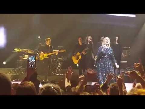 """Adele (with Pink Confetti) """"Rolling In The Deep"""" Live at Bridgestone Arena 10/16/16"""