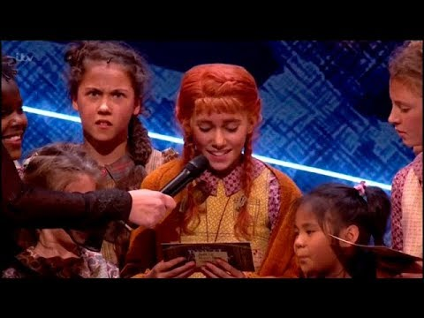 Annie West End | Royal Variety Performance 2017 | 'Hard Knock Life'