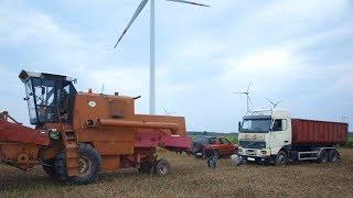 Wyciąganie ciężarówki kombajnem bizon
