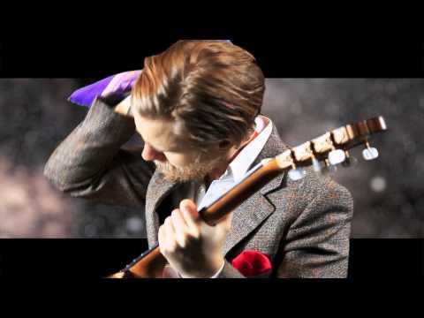 World's Best Dressed Guitarist - Minor Swing by Django Reinhardt (Marcus Strand)