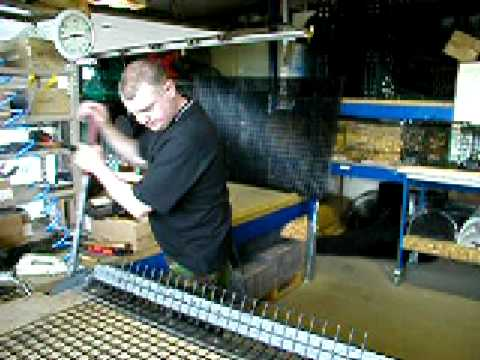 How to Build A lobster Trap: 03 Folding the Body Panel - YouTube