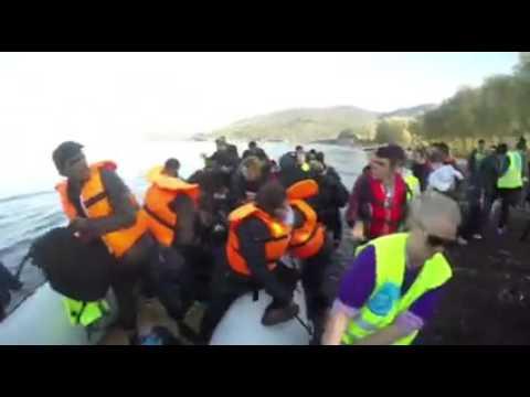Refugees Nov 19th Lesvos smooth boat landing