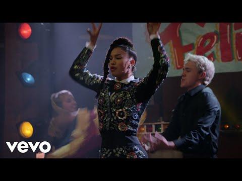 Download Sofia Wylie - A Dancer's Heart (HSMTMTS   Disney+)