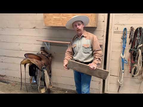 Collapsing Saddle Stand - Handy Horseman Tips By M & M Horsemanship