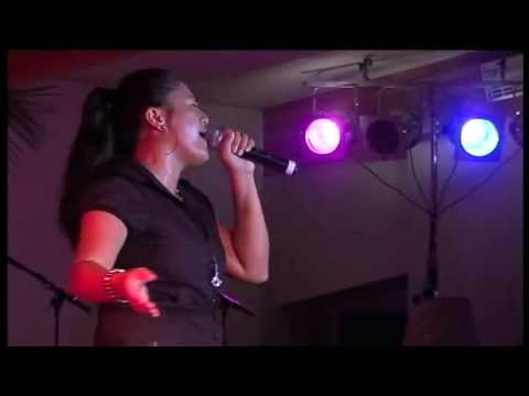 """ Mamaiata "" - Tara KAUVAI en Live ."