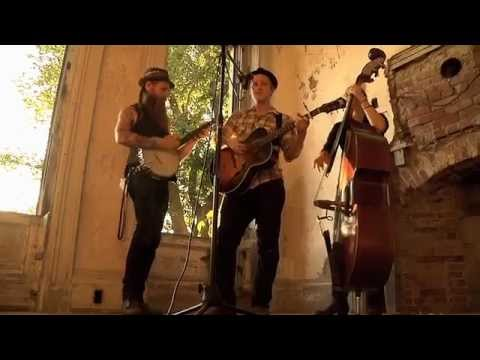 "The Devil Makes Three - ""Do Wrong Right"" (Newport Folk Festival)"
