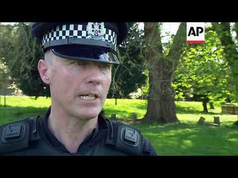Police demonstrate Windsor security checks ahead of royal wedding