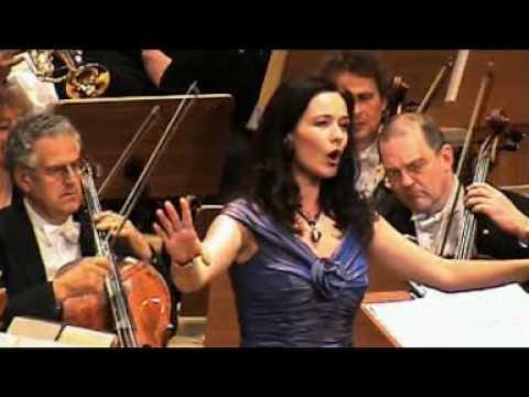 """Lisa Tjalve - J. Strauss: Die Fledermaus Arie Der Rosalinde """"Klänge Der Heimat"""""""