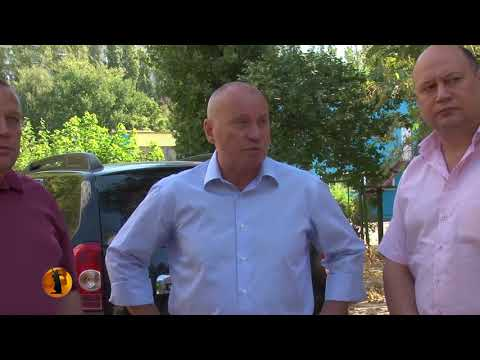 Глава администрации Волгограда устроил разнос подрядчикам за неспешное благоустройство дворов