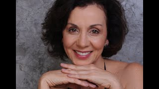 Cinthia Azevedo canta: Vamos Todos Cair