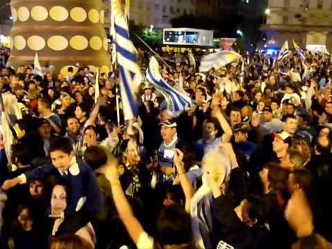 Uruguayos celebran en Buenos Aires victoria de la Copa América