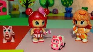 Развивающие видео: лепим из пластилина. Игрушки для детей - Лепим машинку! Strawberry shortcake(Маленькая куколка Апельсинка встретила свою подружку Конфетку и узнала, что у нее случилась неприятность..., 2015-02-25T06:33:47.000Z)