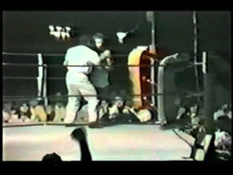 Jeff Fenech v Junior Thompson 30 November 1984 Marrickville RSL Club, Sydney, NSW, Australia