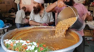 Chole Bhature for Rs 25 | Cheapest Punjabi Food in Mumbai | Indian Street Food