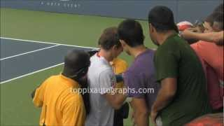 Andy Murray - Signing Autographs at 2012 U.S.Open in NYC
