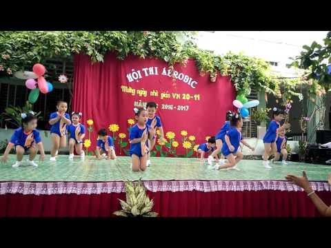Suri múa aerobic
