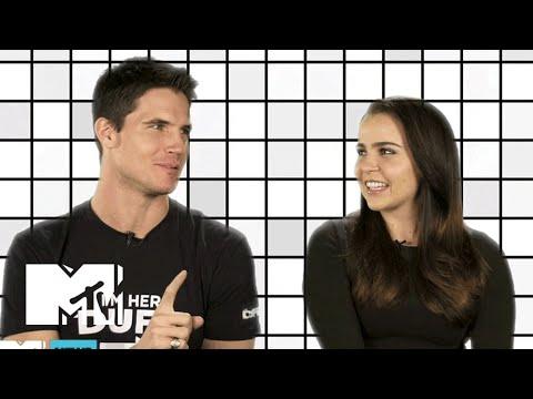 Robbie Amell & Mae Whitman Talk Emojis & The Duff | MTV News