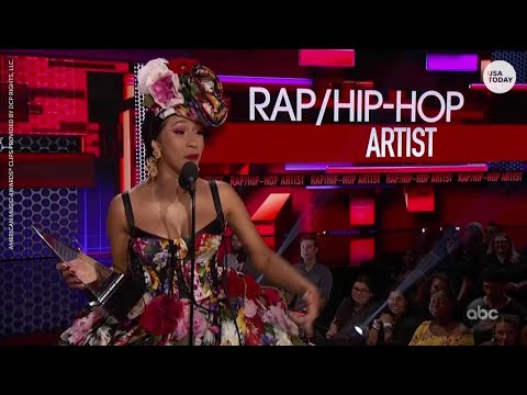 Cardi B thanks daughter, Kulture, in AMAs acceptance speech