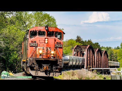 TRAINS on Parade!  Wisconsin Railfanning