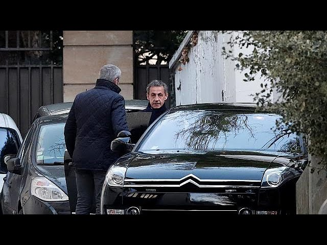 <h2><a href='https://webtv.eklogika.gr/gallia-eleytheros-afethike-o-nikola-sarkozi' target='_blank' title='Γαλλία: Ελεύθερος αφέθηκε ο Νικολά Σαρκοζί'>Γαλλία: Ελεύθερος αφέθηκε ο Νικολά Σαρκοζί</a></h2>