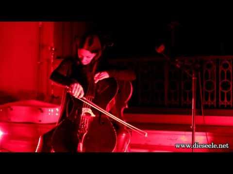 Julia Kent-Invitation To The Voyage (live @St. Paul Athens 25-11-2016)