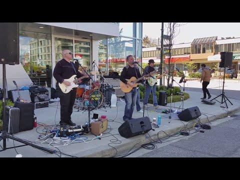 "Vancouver EVENT: 2018 VANCOUVER SUN RUN 10K, Pt. 7 - Music Break at K6, ""Jumping Jack Flash"""