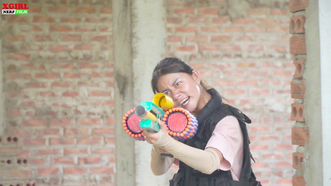 XGirl Nerf War: Cherry NERF FOOTBALL SHOT BATTLE ! SEAL X Girl Nerf Guns Criminal Group help Sister